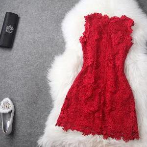 Luxury Designer Lace Dress - Red